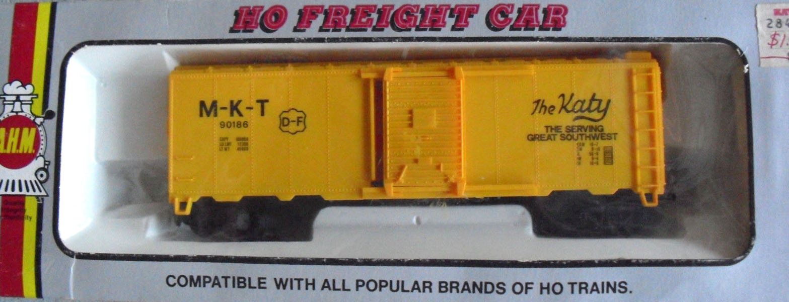 AHM 40-foot Boxcar 12000-series